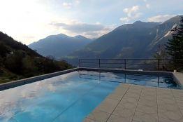 Ferienwohnung mit Pool in Thel Leuk mit Bergsicht