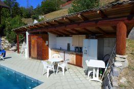 Ferienwohnung mit Aussenküche bei Pool mit Bergsicht