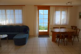 Wohnzimmer mit Esszimmer mit Aussicht