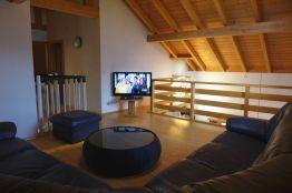 Gallerie TV Lounge